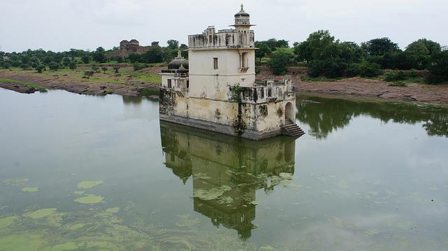 Padmini-Palace-Chittorgarh-Fort